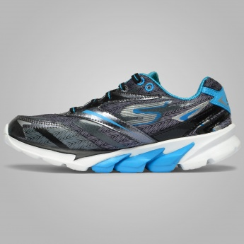 SKECHERS Go Run 4  Running Shoes