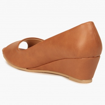 GINGER Peep-Toe Wedges