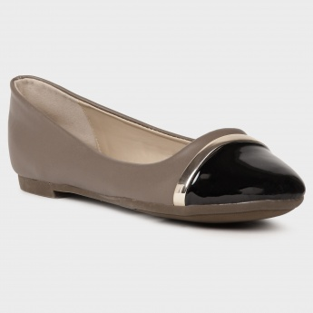 TRESMODE Metal Sheen Ballerinas