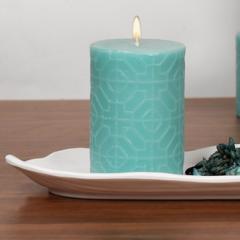Redolance Embossed Pillar Candle - 7 x 10 cm
