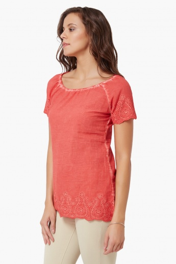 FAME FOREVER Rugged Wash Eyelet Top