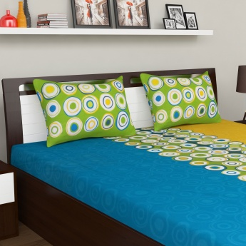 SPACES Double Bed Quilt With Bedsheet And Pillow Cover Set - 4 Pcs.