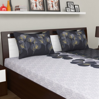SPACES Miami Bedding Set with Comforter - 4 Pcs