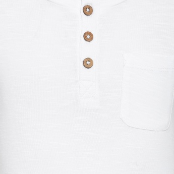 JUNIORS Chest Pocket Henley Neck T-Shirt