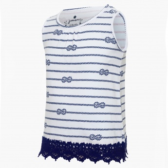 JUNIORS Printed Lace Trim Top