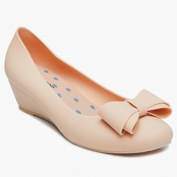 sports shoes e4006 9fdb7 GINGER Bow Detail Wedge Heeled Ballerinas