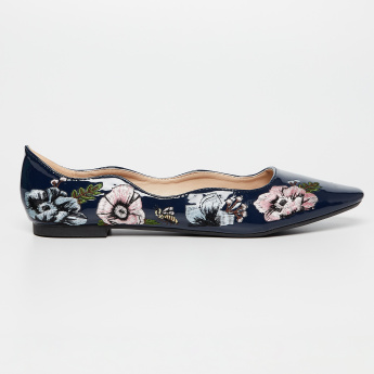 GINGER Embroidered Scalloped Detail Ballerina Shoes