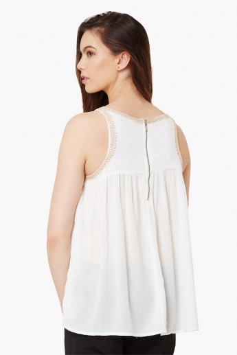 VERO MODA Embroidered Sleeveless Blouse