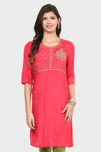 AURELIA Embroidered Kurta