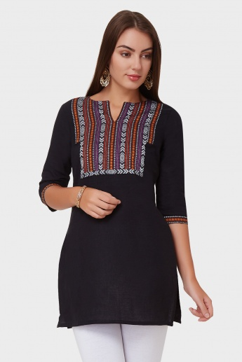 AURELIA Embroidered Round Notch Neck Kurti