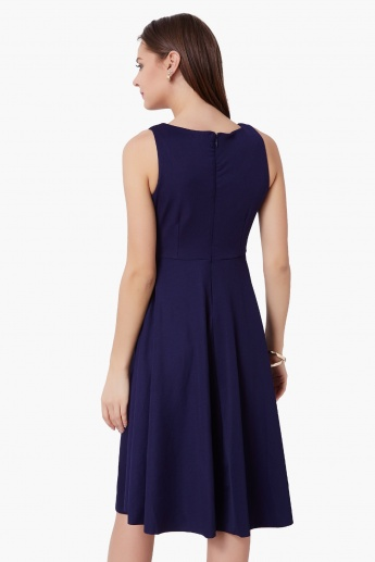 CODE Solid Sleeveless Dress