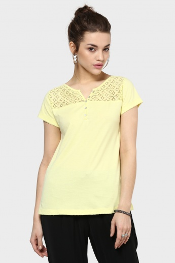 FAME FOREVER Lace Top Sunny Top