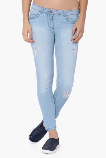 FAME FOREVER Light Wash Ripped Jeans