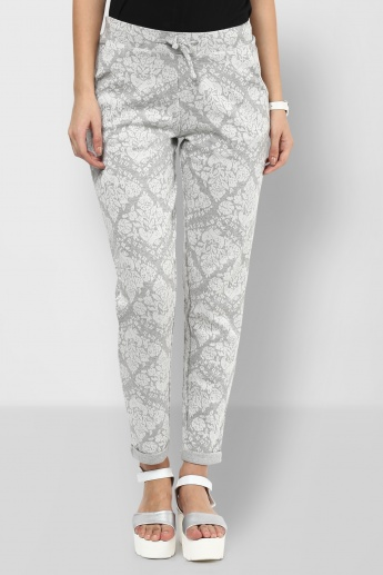 GINGER Tie-Up Slim Fit Printed Pants