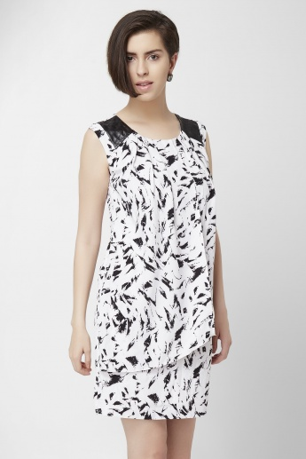 CODE Printed Sleeveless Shift Dress