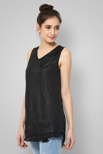 CODE V-Neck Sleeveless Top