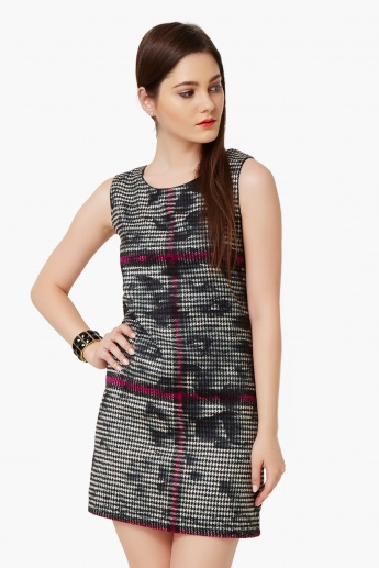 GINGER Houndstooth Hint Shift Dress