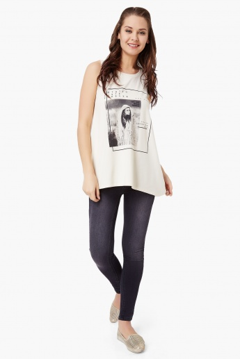 GINGER Graphic Print Sleeveless Top