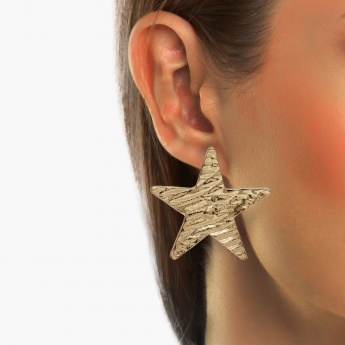 TONIQ Star Stud Earrings