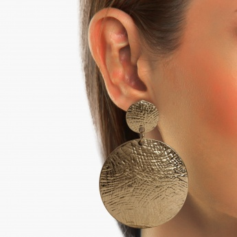 TONIQ Metallic Discs Drop Earrings