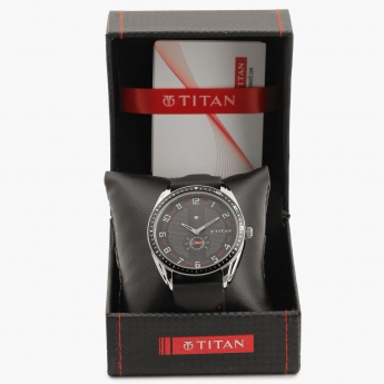TITAN Octane NF1582KL02 Analog Watch
