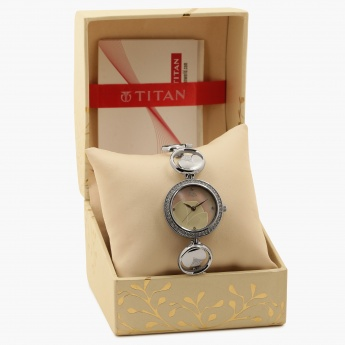 TITAN Raga 2539SM01 Analog Watch