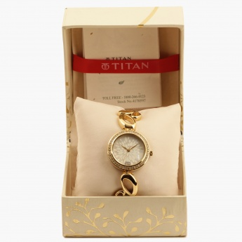 TITAN Raga 2539YM01 Analog Watch