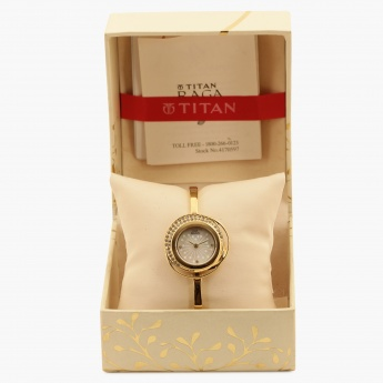 TITAN Raga 95003YM01J Analog Watch