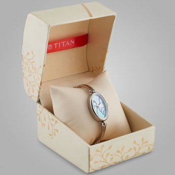 TITAN 2527SM01 Women Analog Watch