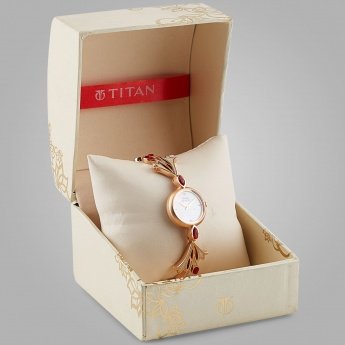 TITAN 2543WM01 Women Analog Watch