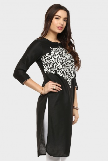 MELANGE Round Notch Neck Embroidered Kurti